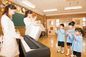 保育士になるにはピアノが得意でないとダメ?ピアノを簡単に弾けるようになるコツ